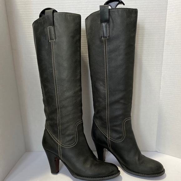 STRATEGIA HEELED BOOTS